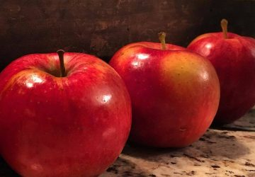 3 adet kirmizi elma