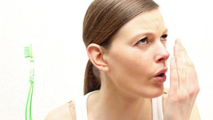 Ağız kokusu neden olur ve nasıl önlenir ?